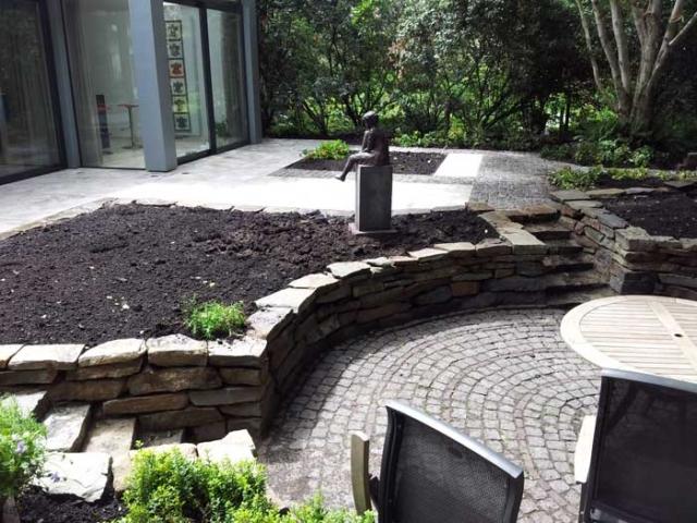 aanleg-tuin-met-klinkers